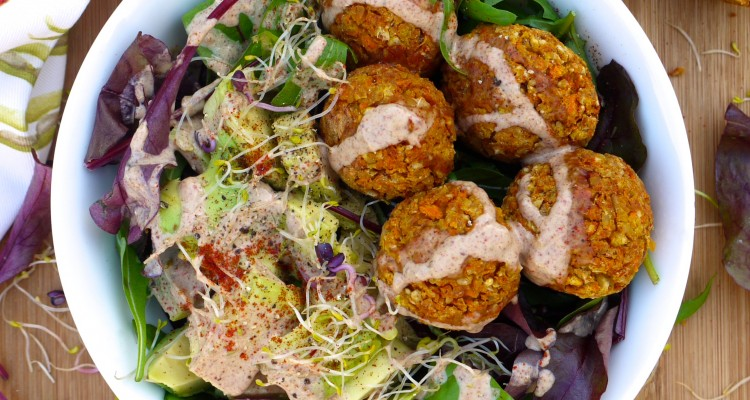 Healthy Baked Falafels With A Spicy Peanut Sauce